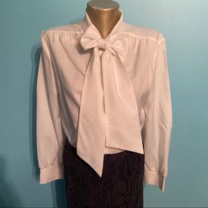 Vintage white pussy bow button up blouse